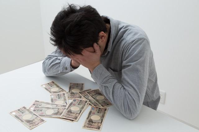 債務整理後にお金に困る男