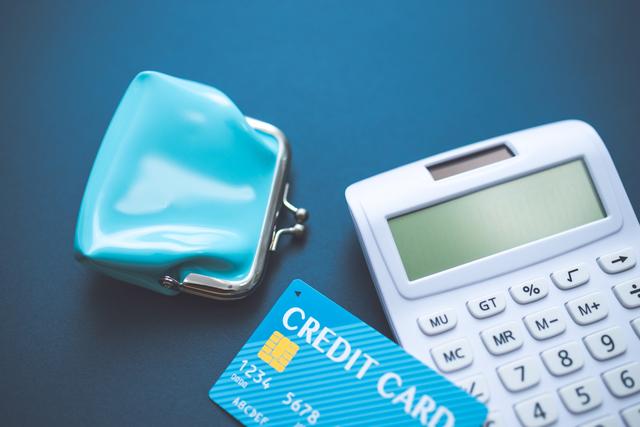 カードローンとクレジットカードの審査の違い