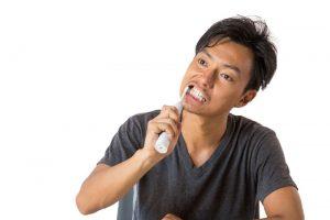 歯がボロボロでお金がない
