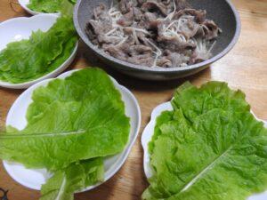 食物繊維もたっぷり!肉巻きレタス